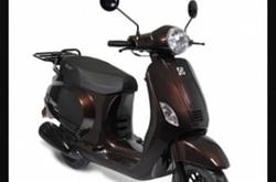 Splinter nieuwe scooter