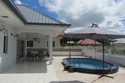 Te koop Bungalow met zwembad Kwatta Suriname